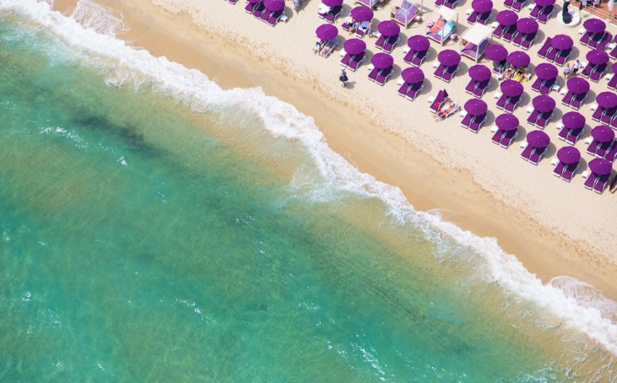 purple-umbrellas_-st.-tropez_2_1